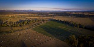 Höbaler i den sceniska kanten, Queensland, Australien Fotografering för Bildbyråer