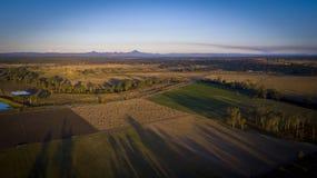 Höbaler i den sceniska kanten, Queensland, Australien Arkivfoton