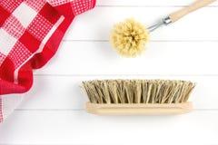 Höchst-Ansicht von Bürsten und von Teetuch Stockfoto