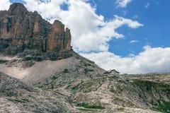 Höchst-Hütte Pisciadu und des Berges, Dolomit, Italien lizenzfreie stockfotos