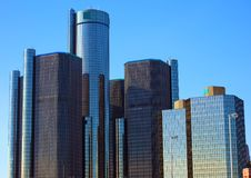 Höchste Gebäude der Detroit-Skyline-Bewegungsstadt in Michigan lizenzfreies stockbild