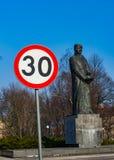 30 Höchstgeschwindigkeitzeichen Stockfotografie