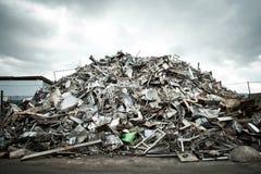 Hög av Aluminium rest arkivfoto