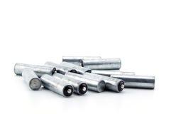 hög av använda alkaliska batterier alkaline batteri Royaltyfria Foton