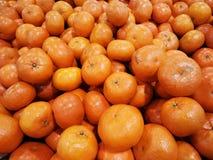 Hög av apelsinfrukt arkivfoto