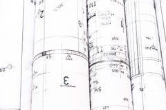 Hög av arkitektdesign- och projektteckningar Arkivfoto
