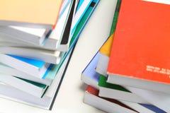 Hög av böcker Royaltyfri Fotografi