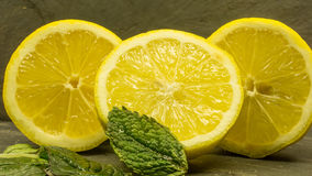 Hög av citroner Royaltyfri Fotografi