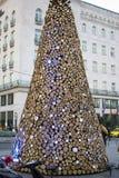 Hög av det wood julträdet i den Budapest staden Royaltyfria Bilder