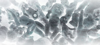 Hög av dockor, tappning Arkivbild