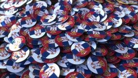 Hög av emblem som presenterar flaggor av Serbien framförande 3d royaltyfria bilder