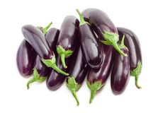 Hög av en aubergine på en ljus bakgrund Royaltyfria Bilder