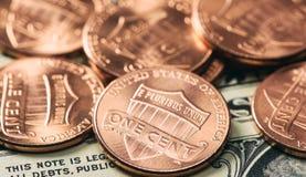 Hög av en cent mynt Arkivbild