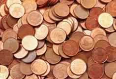 Hög av 1 euro cent Arkivbild