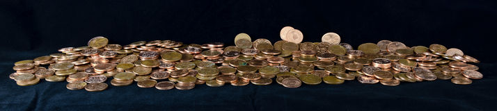 Hög av Euro-cent mynt Royaltyfri Foto