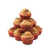 Hög av isolerade muffin för pecannötmutter Arkivbild