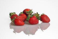 Hög av jordgubbar Arkivfoto