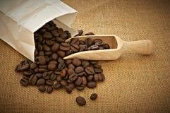 Hög av kaffebönor Fotografering för Bildbyråer