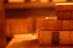Hög av klassiska böcker Fotografering för Bildbyråer