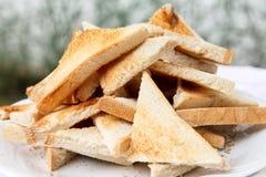 Hög av klippt vitt rostat bröd Royaltyfri Foto