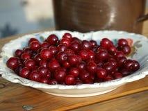 Hög av nya Cherry Fruits Royaltyfria Bilder