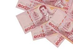 Hög av nya hundra sedlar för thailändsk baht arkivfoto