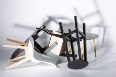 Hög av olika moderna stilfulla stolar Royaltyfria Foton