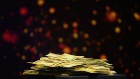 Hög av pengar på att moussera bakgrund, vinst i kasino, lyckade vad lager videofilmer