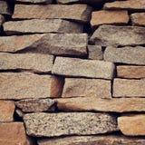 Hög av plana dekorativa stenar Abstrakt slut upp Royaltyfri Foto