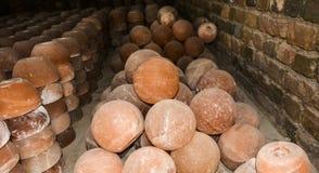 Hög av salta lampor för kopp & för boll royaltyfria foton