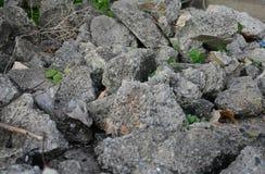 Hög av skräp av en förstörd sten Royaltyfri Fotografi