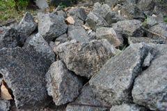 Hög av skräp av en förstörd sten Royaltyfria Bilder