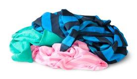 Hög av skrynklig färgglad kläder Royaltyfri Bild