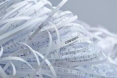 Hög av strimlat pappers- - förtroligt Arkivbild