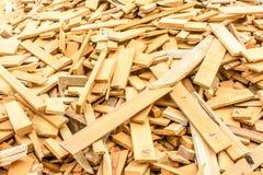Hög av stycken av trä Royaltyfri Fotografi