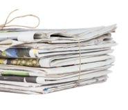 Hög av tidningar Fotografering för Bildbyråer