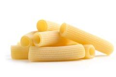 Hög av tubformig pasta Arkivfoton