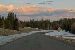 Hög berghuvudväg Arkivbilder