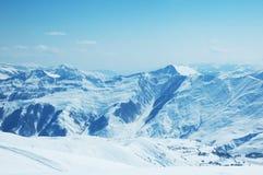 hög bergsnow under Royaltyfri Bild