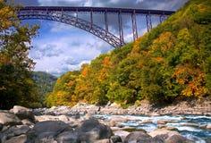 hög bro Arkivbild
