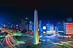 Hög difinition för Buenos Aires stadsnatt Arkivbild