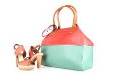Hög-heeled kängor och handväska Royaltyfria Bilder