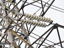 hög linje spänning för strömöverföring Arkivfoton