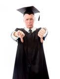Hög mankandidatdanande tummar ner tecken med båda händer Arkivbild