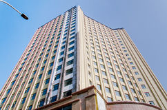 hög modern skyskrapa Arkivfoto