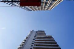 hög modern skyskrapa Royaltyfria Bilder