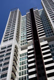 hög modern stigning för lägenheter arkivfoto