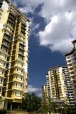 hög modern stigning för lägenheter royaltyfri bild