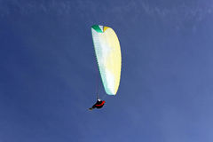 hög paraglide arkivbilder