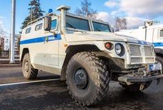 Hög-rörlighet medel GAZ-23034 Tigr är en ryss 4x4, multipur Royaltyfri Foto